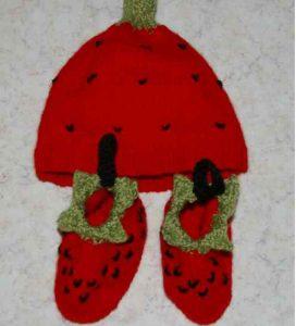 bonnet enfant fraise