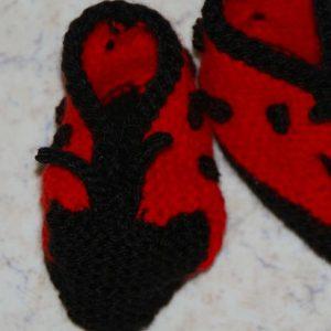 chaussons bébé aiguilles et crochet