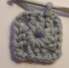 Tricoter un carré au crochet