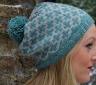 tricoter un bonnet motifs croix