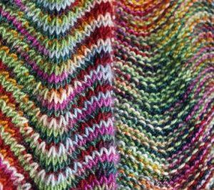 tricoter des écharpes à motifs chevrons