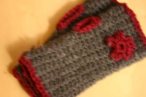 modèles de mitaines au crochet fleurs
