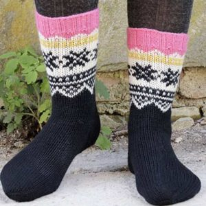 Tricoter des chaussettes jacquard motif flocons